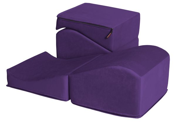 600x420_flip_ramp_aubergine_folded_and_opened_on_white_microfiber